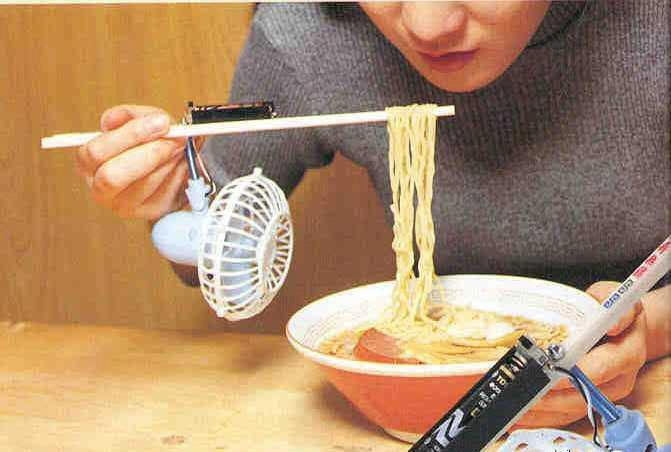 how to eat noodles correctly